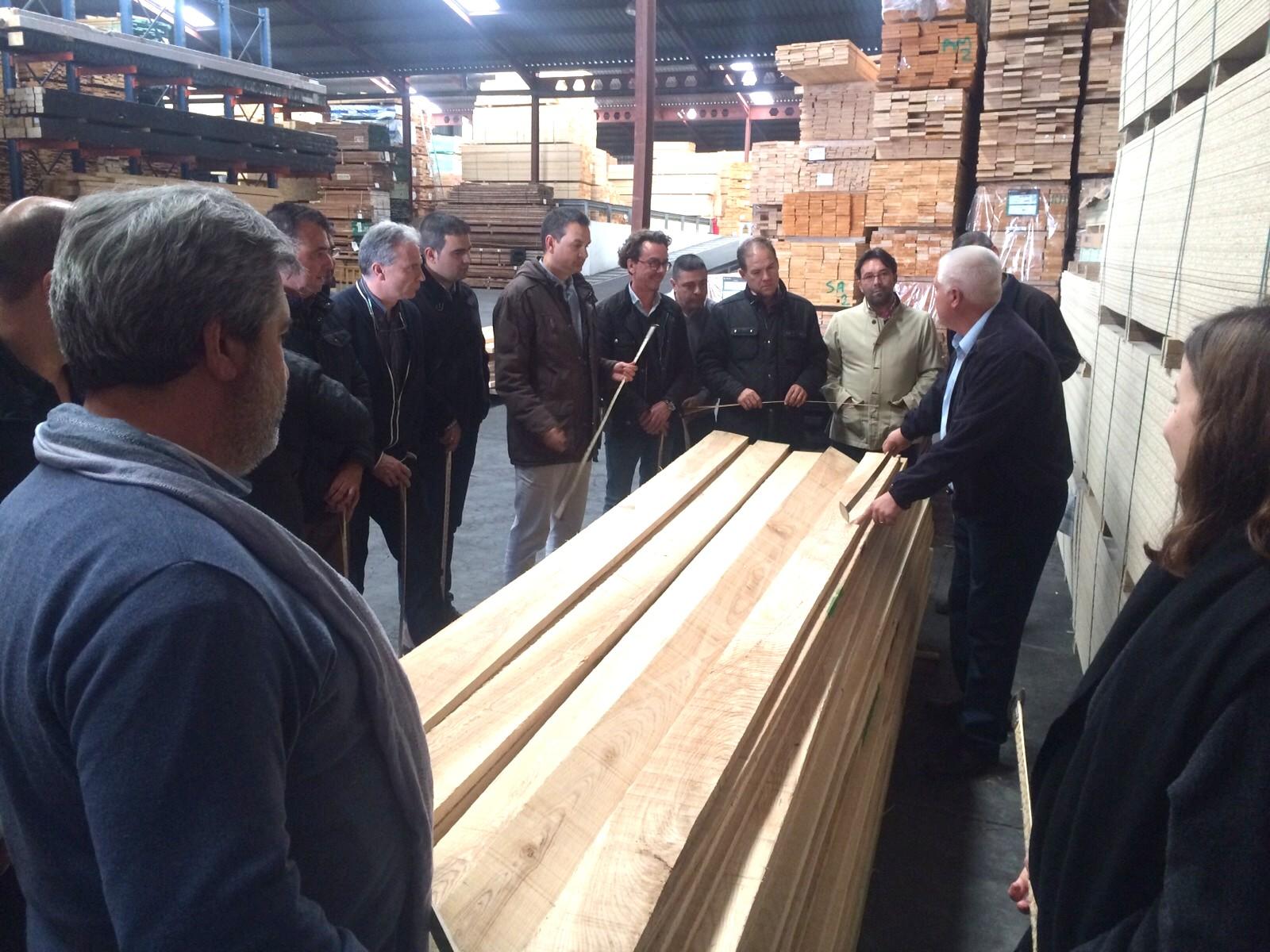 Hoy comienzan los cursos de clasificaci n de maderas de frondosas usa organizados por ahec para - Maderas alberch ...