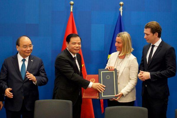 Firma acuerdo FLEGT entre la UE y Vietnam